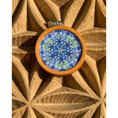 pendentif-fleur-de-vie-en-bois