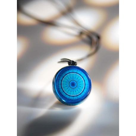 """Pendentif générateur d'Orgone """"Fleur bleue Mandala"""""""